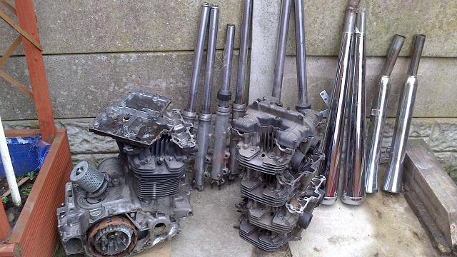 Tango-kawasaki-z750-engine-spares-forks